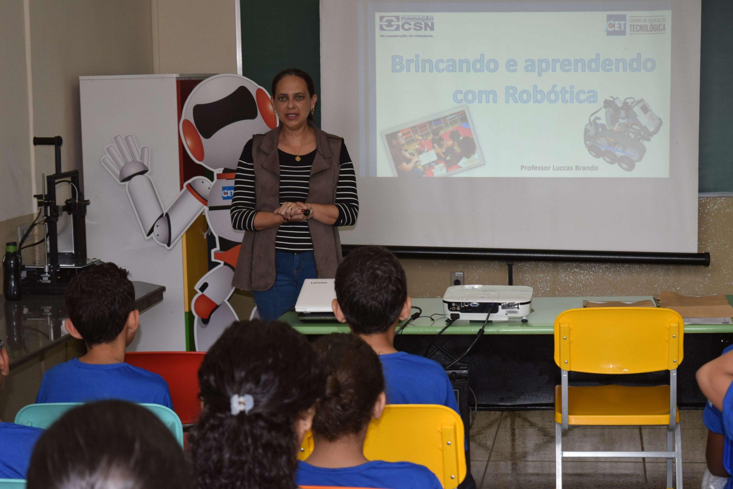 Curso Livre Brincando e Aprendendo com a Robótica