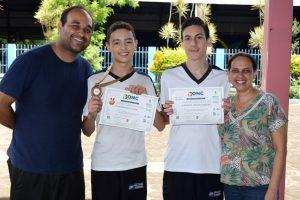 Alunos do CET recebem certificados da Olimpíada Nacional de Ciências